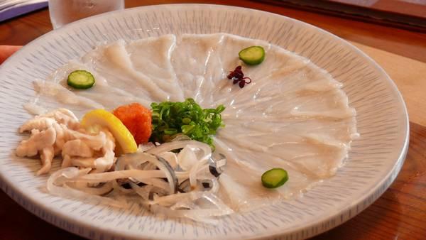 Блюдо из рыбы фугу фото