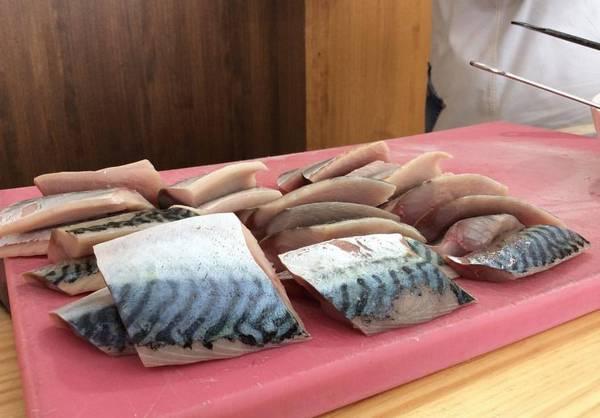 Мясо атлантической скумбрии фото (Scomber scombrus)